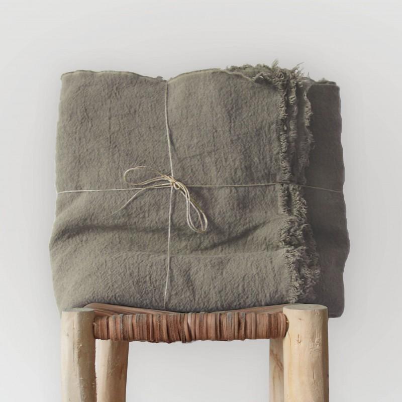 plaid en lin brut teint ou naturel. Black Bedroom Furniture Sets. Home Design Ideas